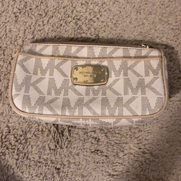 Michael Kors Handbags - Michael Kors makeup bag